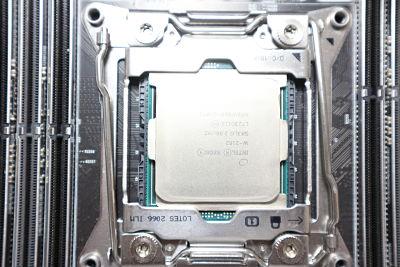 CPU Xeon W-2102_opt