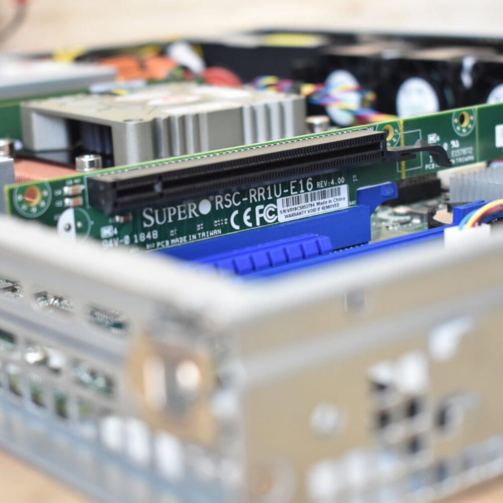 เพิ่ม RiserCard 1u ให้ PowerRACK RSP813-X470D4U